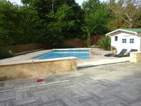 Belle maison en pierre toute rénovée dans hameau calme, 4 chambres, piscine chauffée, garage, plus d'un hectare, Bergerac 44kms et Bordeaux 70kms.  Belles vues.