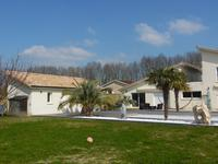 French property for sale in BOURG, Gironde - €699,600 - photo 2