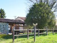 Maison à vendre à ST ROMAIN en Charente - photo 1