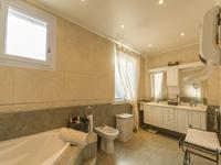 French property for sale in ROQUEBRUNE SUR ARGENS, Var - €603,000 - photo 7
