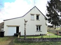 French property for sale in PEAULE, Morbihan - €149,800 - photo 2