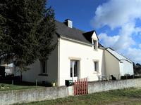 French property for sale in PEAULE, Morbihan - €149,800 - photo 3