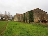 French property for sale in GEMOZAC, Charente Maritime - €130,800 - photo 3
