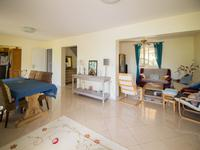 French property for sale in MONTAUROUX, Var - €619,000 - photo 6