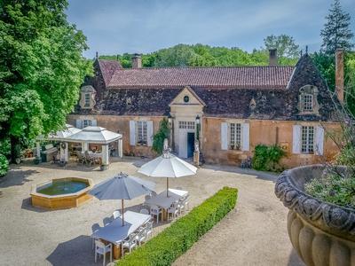 chateauin STE ALVERE
