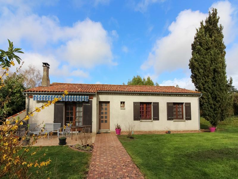 Maison à vendre à ARCHIAC(17520) - Charente Maritime