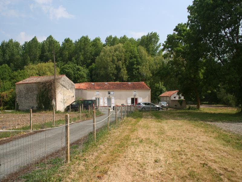 Maison à vendre à DOEUIL SUR LE MIGNON(17330) - Charente Maritime