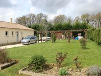 French property for sale in POUILLAC, Charente Maritime - €214,000 - photo 10