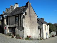French property for sale in ROCHEFORT EN TERRE, Morbihan - €98,000 - photo 2