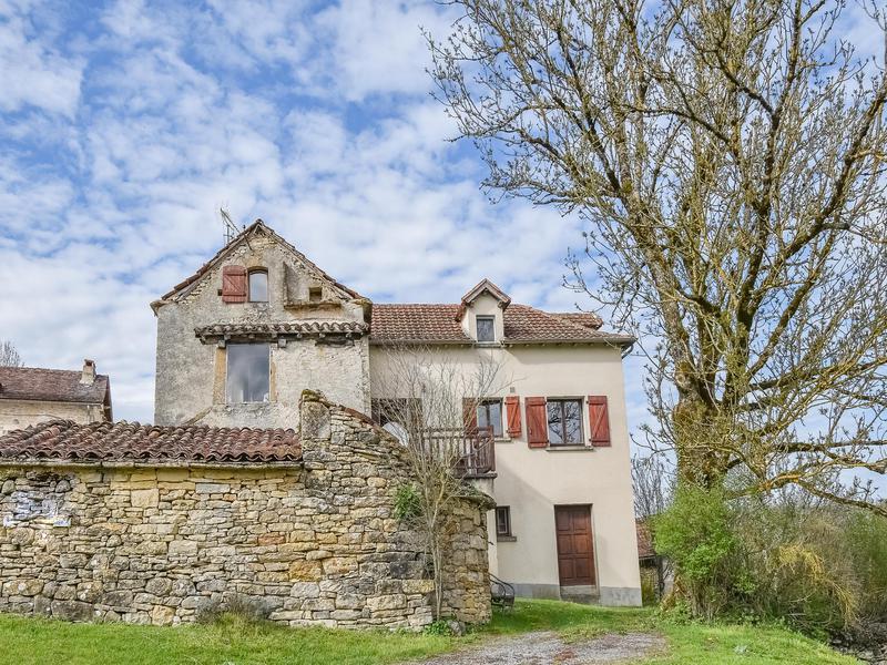Maison à vendre à VAILHOURLES(12200) - Aveyron