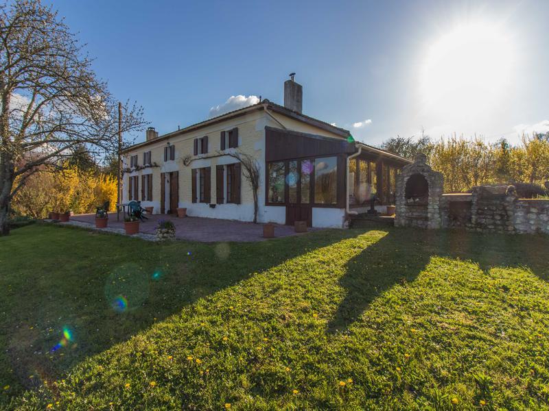 Maison à vendre à COUX(17130) - Charente Maritime