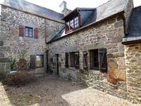 French property for sale in ROSTRENEN, Cotes d Armor - €51,000 - photo 2