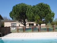 French property for sale in RAUZAN, Gironde - €742,000 - photo 4