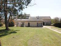 French property for sale in RAUZAN, Gironde - €742,000 - photo 2