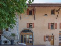Charmant duplex de 83m² (trois chambres) au cœur du pittoresque hameau d'Essert, proche du village de Messery, accessible en voiture de Genève, et en ferry de Nyon