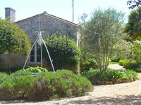 French property for sale in BOURG, Gironde - €318,000 - photo 2