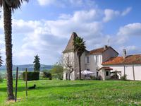 French property for sale in BRIE SOUS CHALAIS, Charente - €310,000 - photo 5
