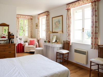 Une belle bastide en pierre avec 4 chambres et un studio d'amis indépendant à Fayence