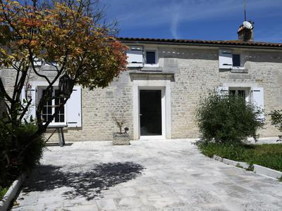 Maison à vendre à MOULIDARS, Charente, Poitou_Charentes, avec Leggett Immobilier