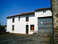French property, houses and homes for sale inBREUIL BARRETVendee Pays_de_la_Loire