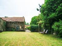 French property for sale in BREUIL BARRET, Vendee - €105,000 - photo 3