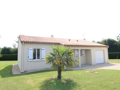 Maison à vendre à CIVRAY, Vienne, Poitou_Charentes, avec Leggett Immobilier