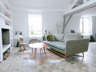 Paris 3rd - 75003 - Superb 2-bedroom Duplex of 79 sqm at floor level, with a private open view, on the 5th and last floor without a lift, quiet and bright, in the heart of the bubbling Marais