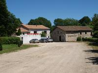 French property for sale in TILLOU, Deux Sevres - €402,800 - photo 2