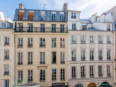 Paris 75003 Peaceful environment in the sought after Republique district, spacious 2nd floor 134m2 (3 bed possible) South & East facing apartment (lot 8) to renovate, at the heart of a well looked after 1880 stone building with elevator