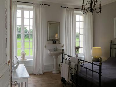 Exquisite 18th century Normandy Château with its original features, 5 bedrooms and extensive grounds
