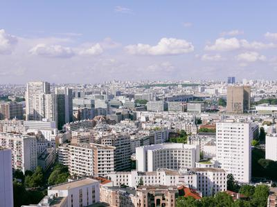 """Paris 13th , district Olympiades, 2-Bedroom apartment of 55 m², with an exceptional panoramic view of Paris, quiet and very bright, on the 28th floor with elevator, close to the """"Parc de Choisy"""""""