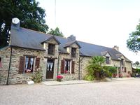 French property for sale in MALESTROIT, Morbihan - €299,600 - photo 2