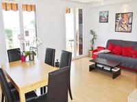 Antibes - 3 pieces appartement  avec salon, deux chambres et belles vues. Dernier 3eme etage.