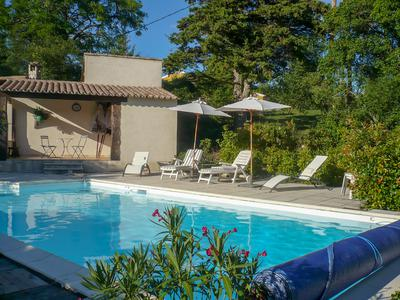 Next to Sault, luxurious converted barn with swimming pool in little hamlet over 2500m2 of land and beautiful views