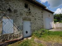 French property for sale in RAUZAN, Gironde - €541,999 - photo 4
