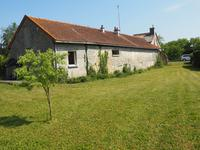 French property for sale in POUANT, Vienne - €139,500 - photo 2