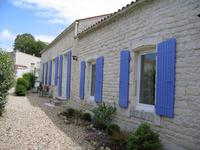 French property for sale in LA JARRIE, Charente Maritime - €499,200 - photo 4