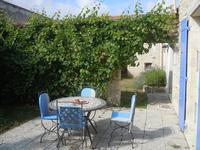 French property for sale in LA JARRIE, Charente Maritime - €499,200 - photo 3