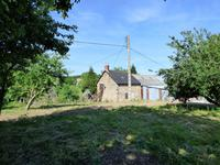 French property for sale in LASSAY LES CHATEAUX, Mayenne - €51,000 - photo 2
