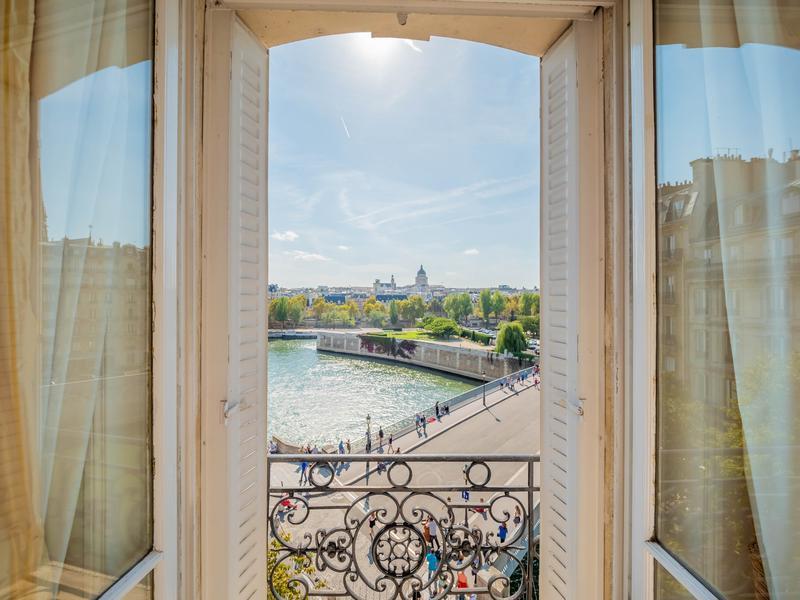 Appartement 4 pièces à vendre à PARIS IV (75004) -  Paris