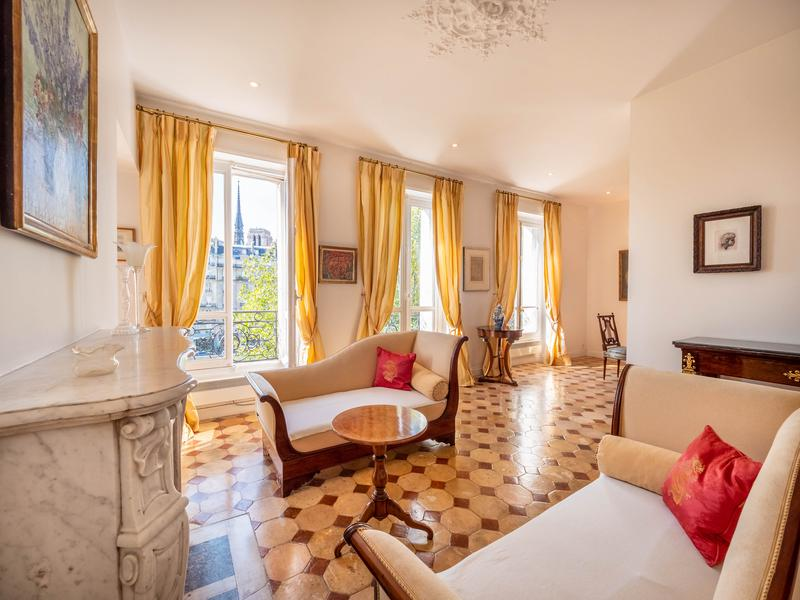 Appartement 4 pièces à vendre à  (75004) -  Paris