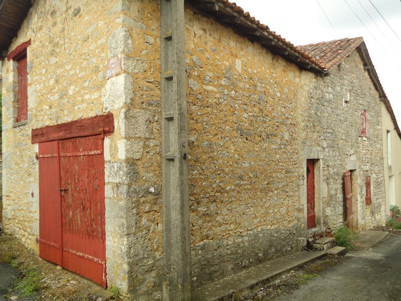 Maison à vendre à BEAULIEU SUR SONNETTE(16450) - Charente