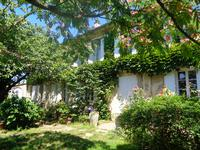 French property for sale in LES ARTIGUES DE LUSSAC, Gironde - €424,000 - photo 1