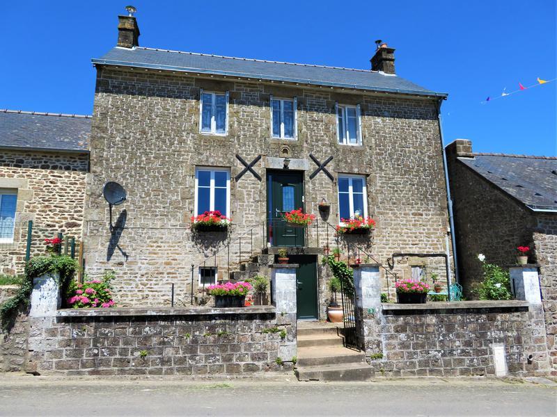 Maison à vendre à CARELLES(53120) - Mayenne