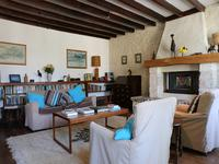 French property for sale in ST DIZANT DU GUA, Charente Maritime - €298,000 - photo 2