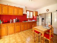 French property for sale in BESSE SUR ISSOLE, Var - €399,000 - photo 3