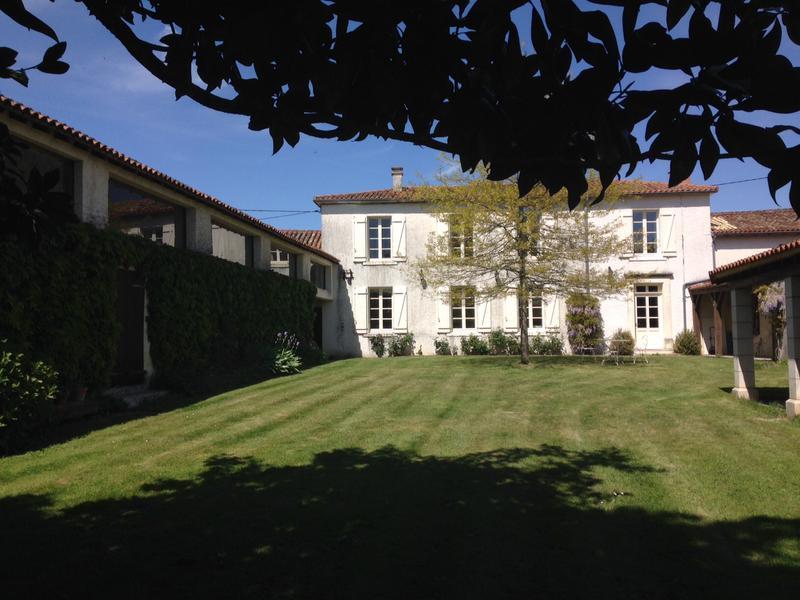 Maison à vendre à FENIOUX(79160) - Deux Sevres