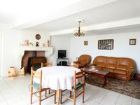 Maison à vendre à FLOIRAC en Charente Maritime - photo 3