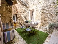 Maison rénovée de 3 chambres, avec cour intérieur, beaux volumes. Rare à  saisir, Sud Luberon, au calme, à Mérindol.