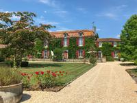 French property for sale in town, Charente - €900,000 - photo 1